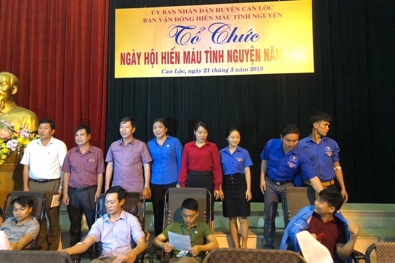 Cán bộ, đoàn viên, CNVCLĐ huyện Can Lộc hưởng ứng Ngày hội hiến máu nhân đạo