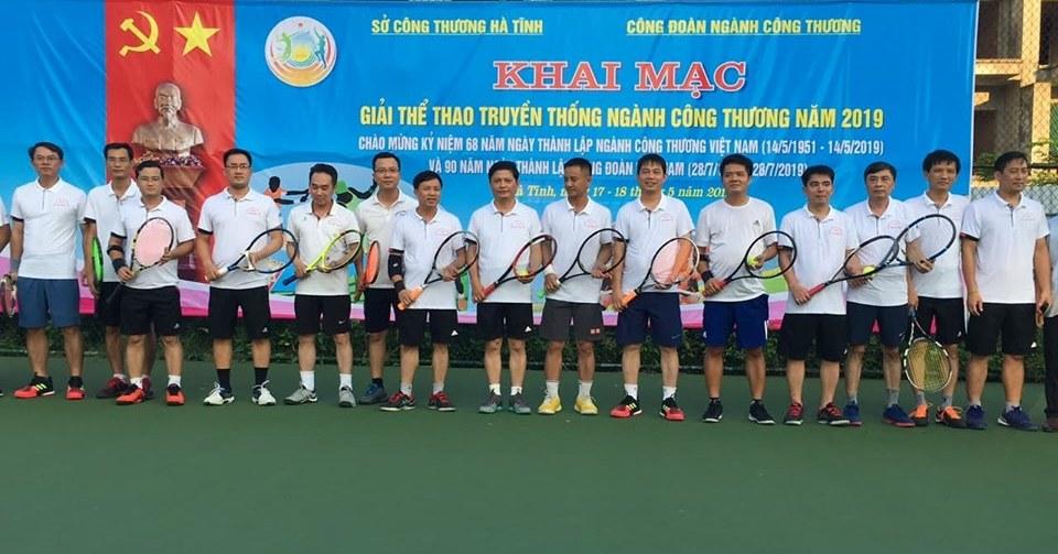 CĐN Công thương: Phối hợp tổ chức giải quần vợt mở rộng