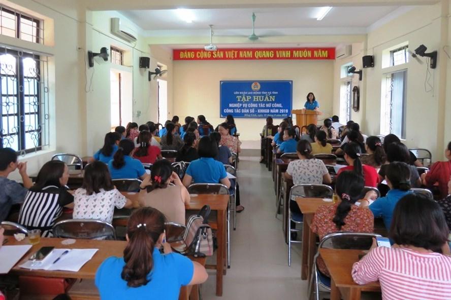 Liên đoàn Lao động Hà Tĩnh phối hợp tập huấn chính sách dân số