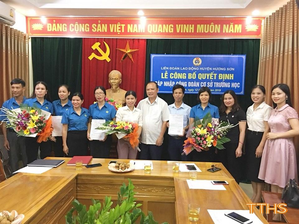 Hương Sơn: Công bố quyết định sáp nhập một số Công đoàn cơ sở trường học