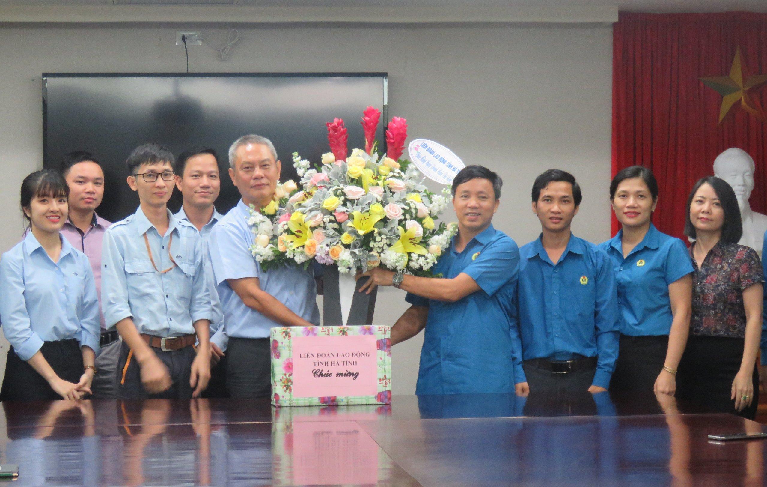 LĐLĐ tỉnh: Chúc mừng doanh nghiệp nhân Ngày Doanh nhân Việt Nam