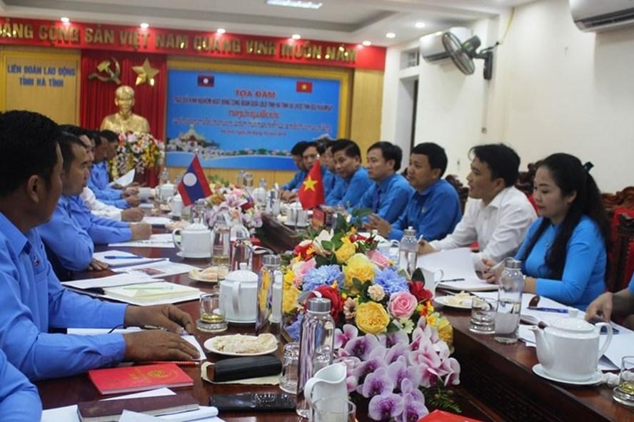 LĐLĐ Hà Tĩnh chia sẻ kinh nghiệm với Liên hiệp Công đoàn tỉnh Bolykhămxay