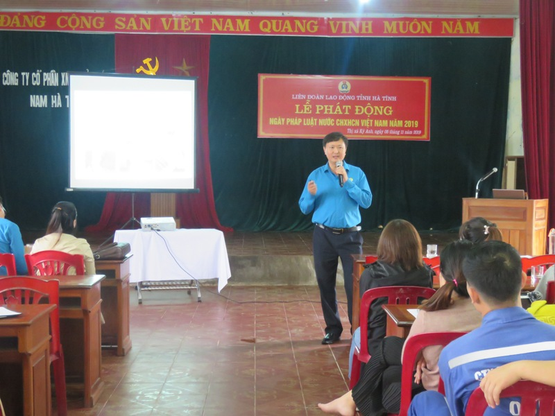 Liên đoàn Lao động tỉnh Hà Tĩnh: Phát động Ngày Pháp luật năm 2019