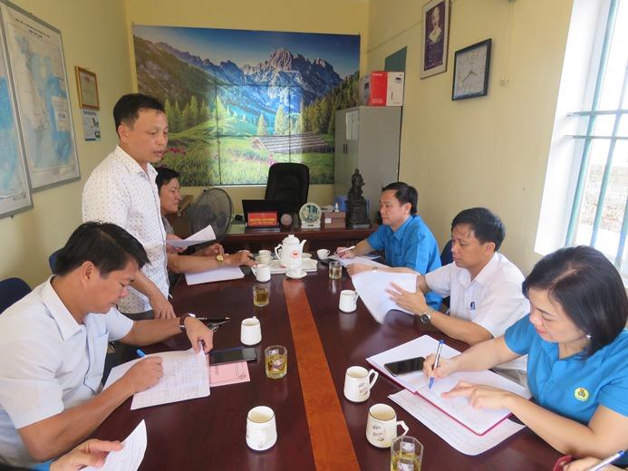 LĐLĐ tỉnh: Làm việc với lãnh đạo xã được đỡ đầu xây dựng nông thôn mới