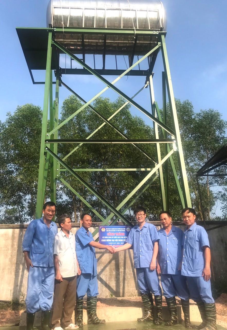 CĐ Tổng Công ty KS&TM: Gắn biển công trình chào mừng Đại hội Đảng các cấp