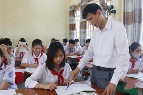 """Thầy giáo Phan Đình Ánh, tấm gương """"Hồng thắm - Chuyên sâu"""" của ngành GD&ĐT Hà Tĩnh"""