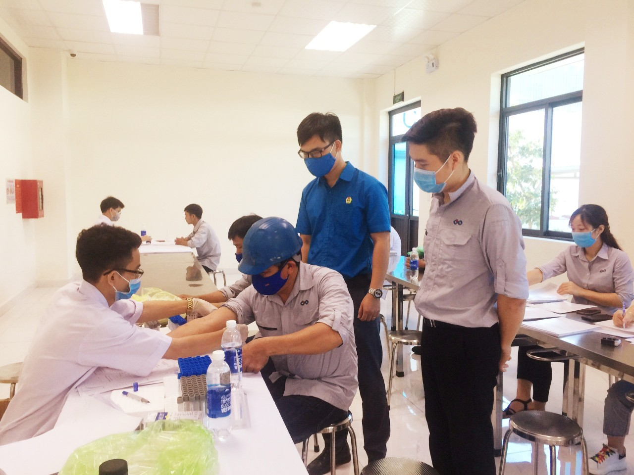 CĐ các Khu kinh tế tỉnh: Khám sức khỏe định kỳ cho công nhân lao động Công ty TNHH UP Hà Tĩnh