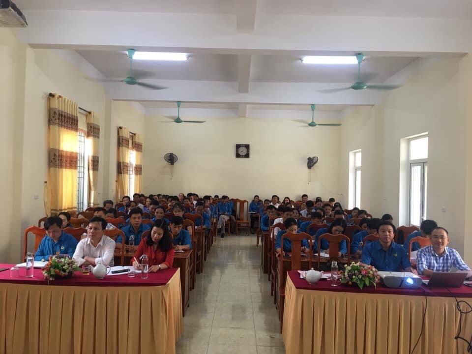 Hương Khê: Tập huấn kiến thức pháp luật cho cán bộ Công đoàn cơ sở