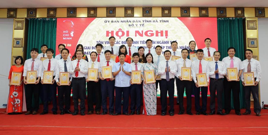 CĐN Y tế Hà Tĩnh sôi nổi các hoạt động chào mừng Đại hội Đảng các cấp.