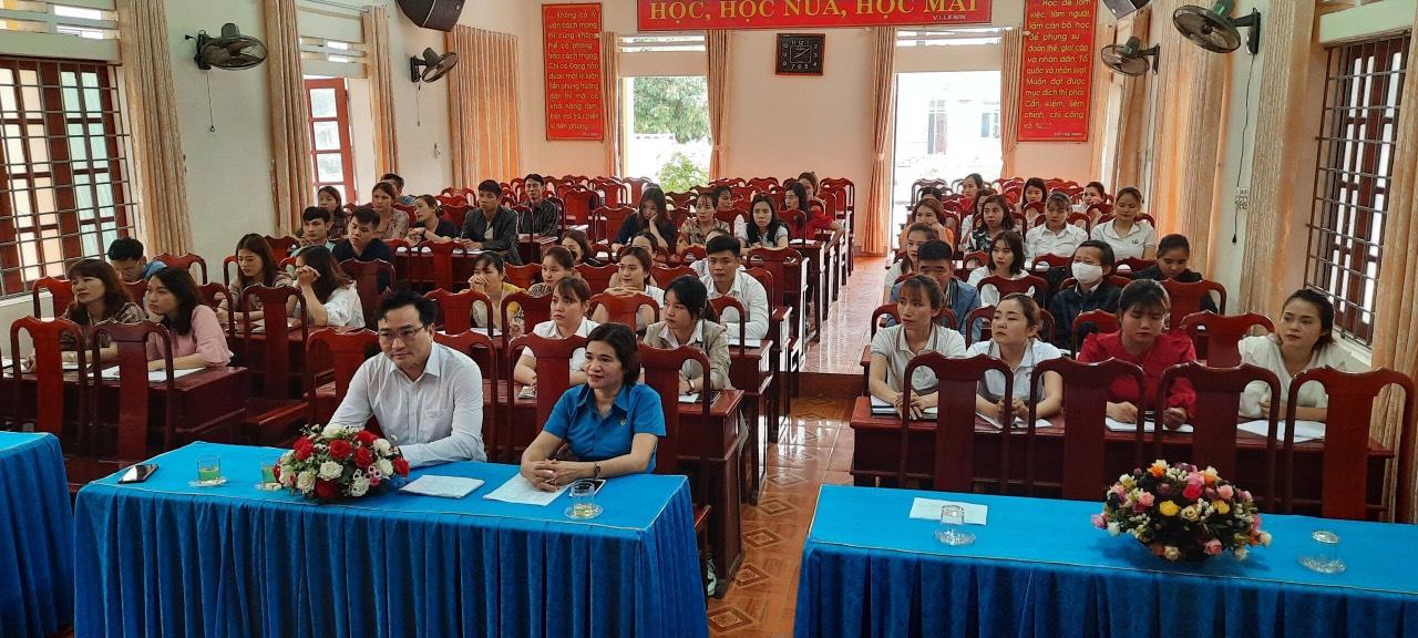 Hương Sơn:  Phối hợp tổ chức lớp bồi dưỡng đoàn viên ưu tú học đối tượng Đảng