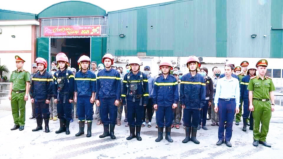 LĐLĐ huyện Cẩm Xuyên phối hợp tập huấn phòng chống cháy nổ cho doanh nghiệp năm 2021