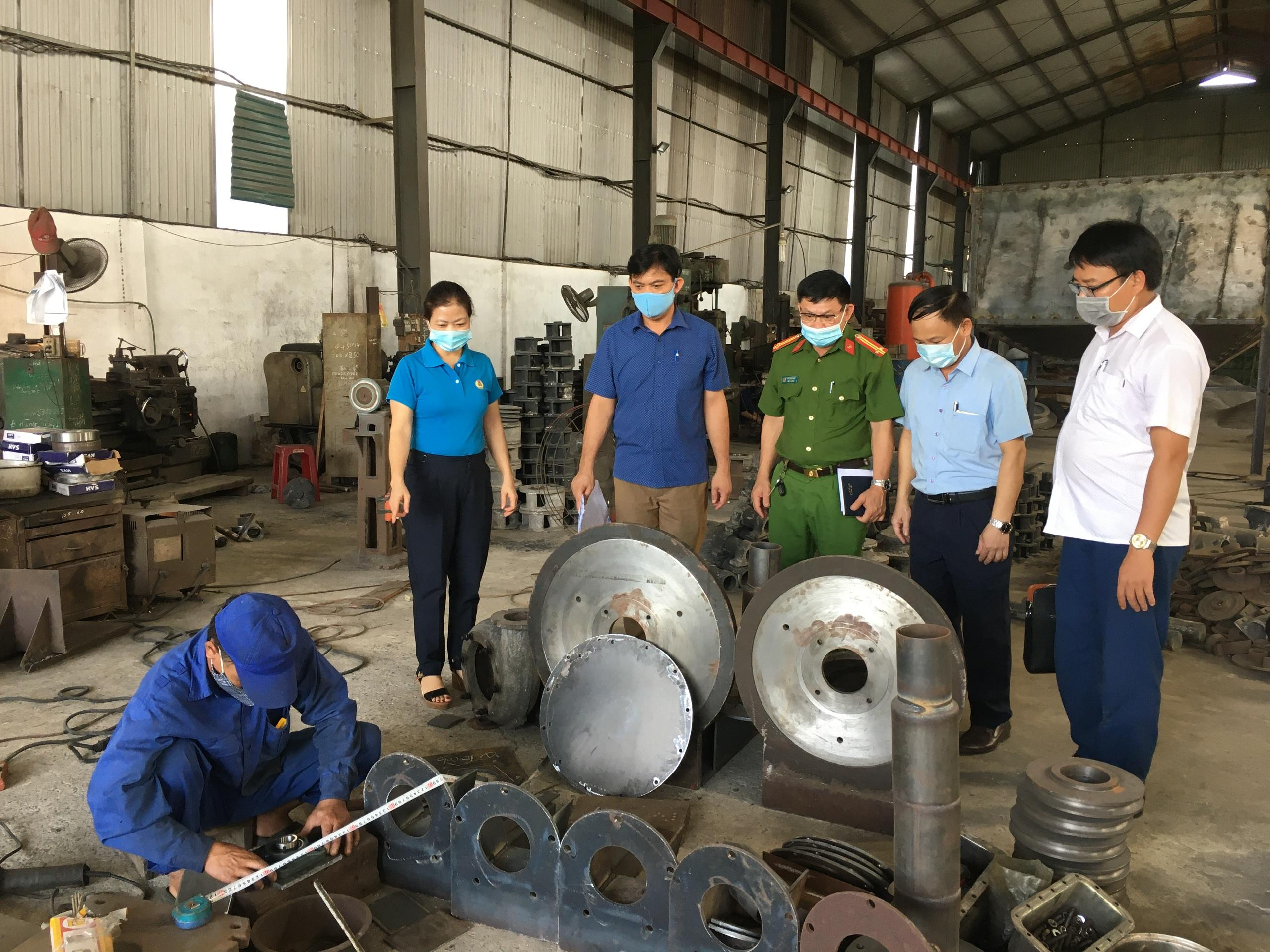 Hồng Lĩnh: Kiểm tra việc chấp hành pháp luật lao động, công đoàn tại các doanh nghiệp