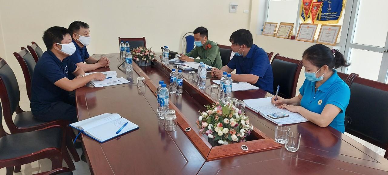 Hồng Lĩnh: Phối hợp kiểm tra việc chấp hành các quy định của pháp luật trong phòng, chống dịch Covid-19 tại các Doanh nghiệp
