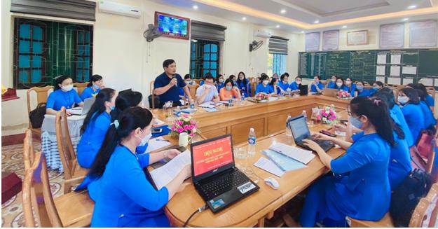 Trường Tiểu học Trần Phú thành phố Hà Tĩnh. Tổ chức thành công Hội nghị cán bộ, viên chức, người lao động năm học 2021 - 2022