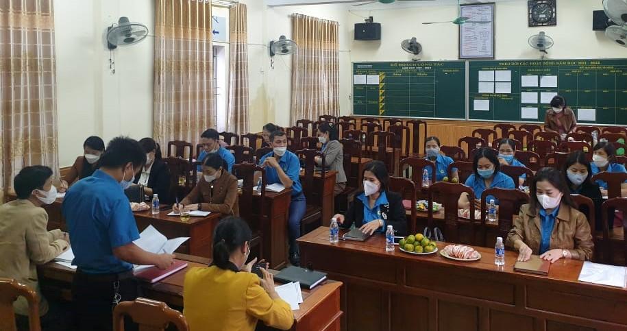 Hương Sơn: Giao ban Cụm Công đoàn số 6