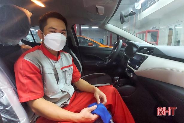 Người lao động Hà Tĩnh phấn khởi nhận hỗ trợ từ quỹ bảo hiểm thất nghiệp
