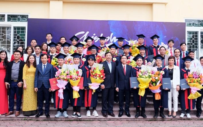 Lễ bế giảng lớp Cao đẳng Cơ điện tử cấp độ quốc tế chuyển...