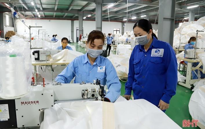 """Cụm công nghiệp Đức Thọ """"rộng cửa"""" đón gần 4.000 lao động..."""