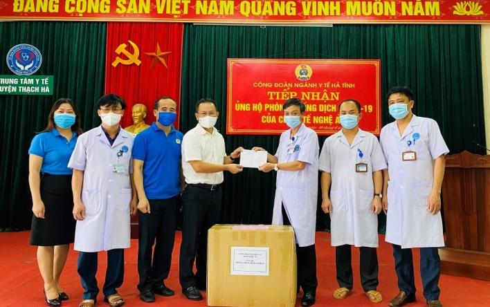 Công đoàn Y tế Hà Tĩnh tiếp nhận hỗ trợ phòng chống dịch...