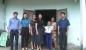 Đức Thọ: Công đoàn Kho bạc huyện: Trao 5 suất quà cho các em học sinh có hoàn cảnh khó khăn