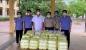 CĐCS Viện Kiểm sát, Chi cục Thi hành án dân sự thị xã Hồng Lĩnh tặng suất cơm tình nghĩa tại các điểm cách ly tập trung